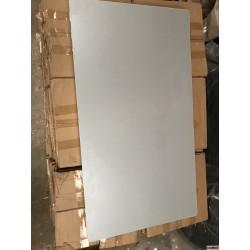 plateau de table gris argent