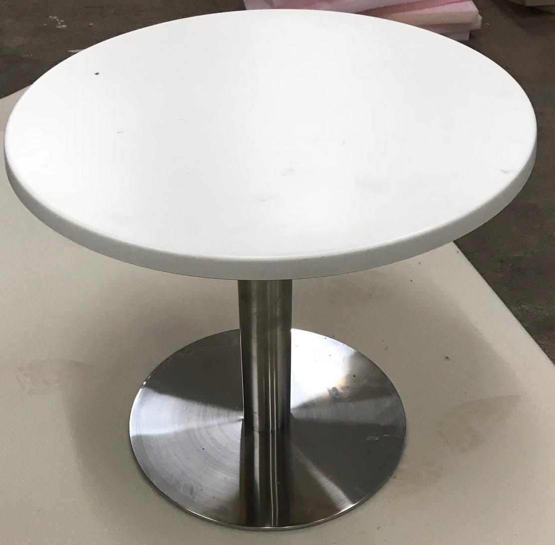 Table Basse En Inox tout table basse pied inox 95,00 €